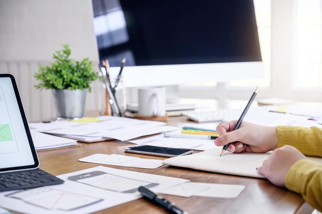 خطوات كتابة المحتوى الموجه للعملاء والزبائن