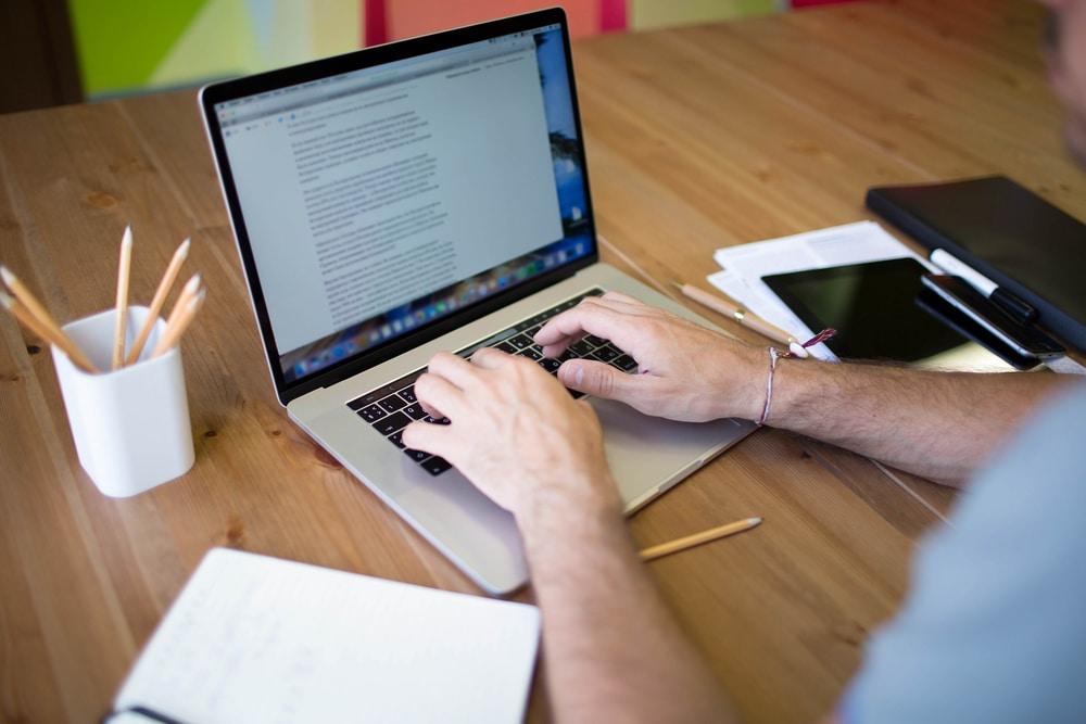 خدمة كتابة المحتوى أحد المفاتيح السحرية لأعمالك التجارية