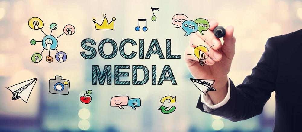 كيفية إدارة مواقع التواصل الاجتماعي باحترافية - خدمة ادارة وسائل التواصل الاجتماعي 2021
