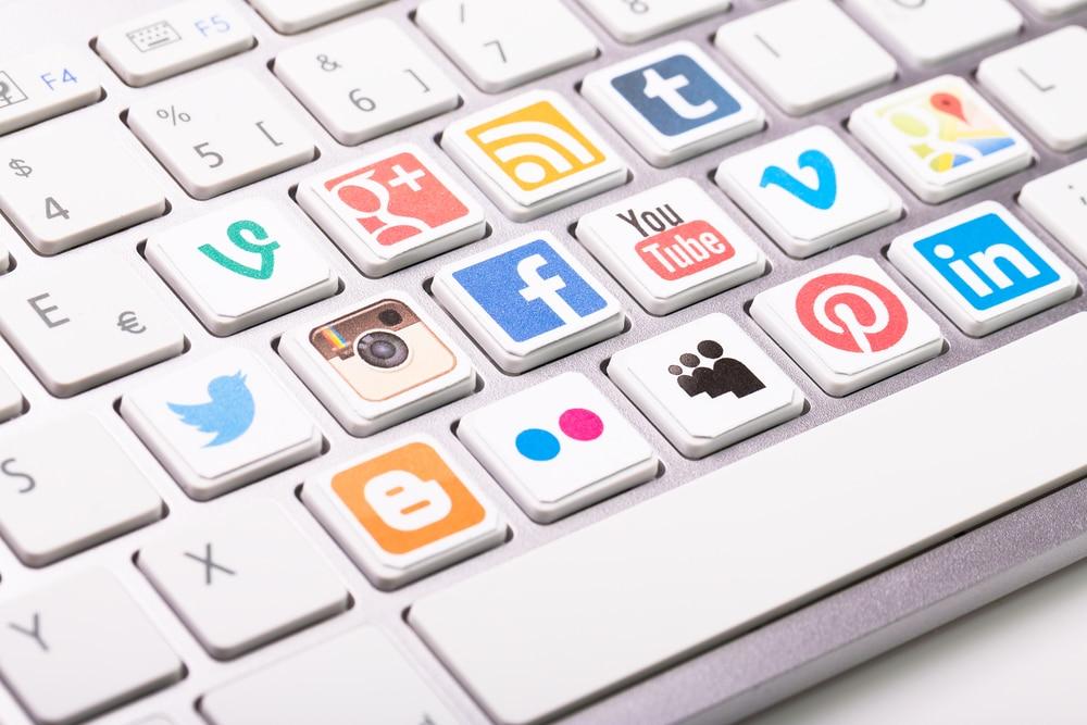 تحليل وتدقيق حساباتك على مواقع التواصل الاجتماعي